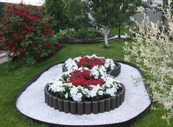 Как оформить сад цветами