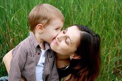 Роль матери в воспитании сына
